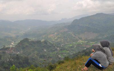 Gunung Lumbung, mendaki semesta kecil yang recommended banget